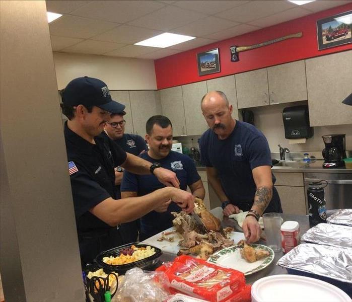 Servpro Of Aurora Dines With Firehouse 7 Servpro Of Aurora